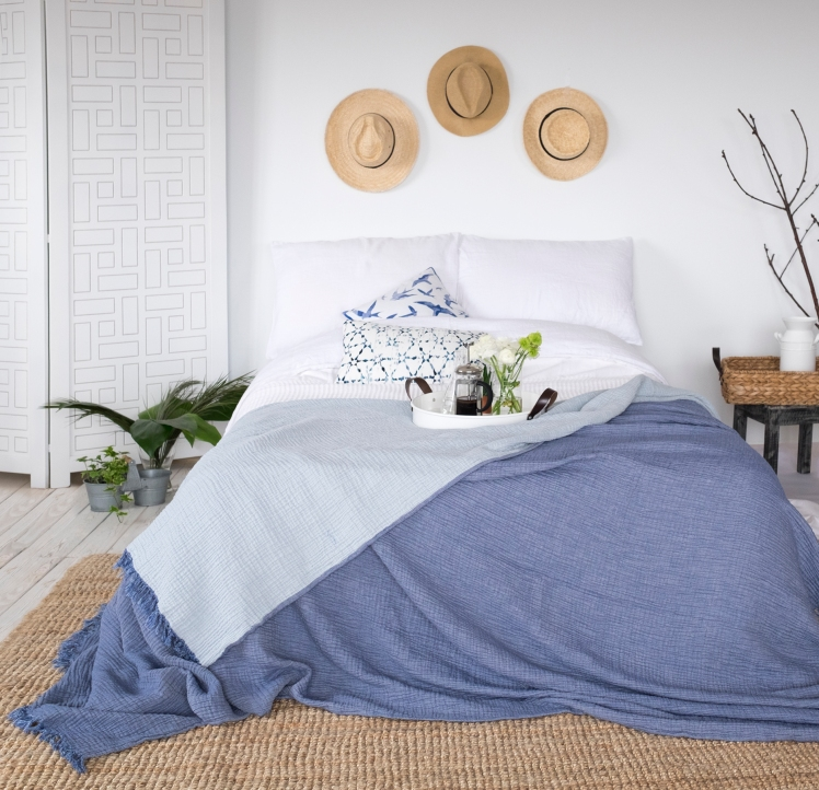 cocoon-bed-cover-blue-2